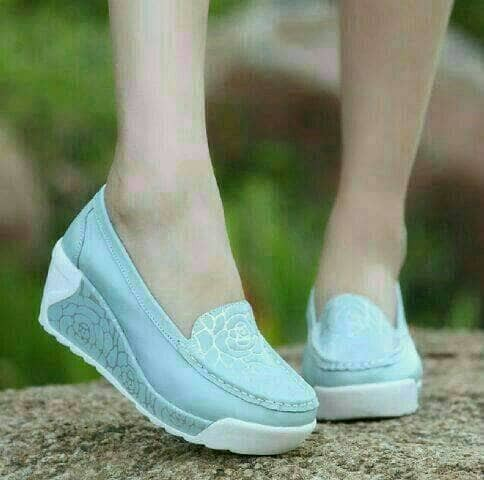 Katalog Wedges Sneakers Travelbon.com