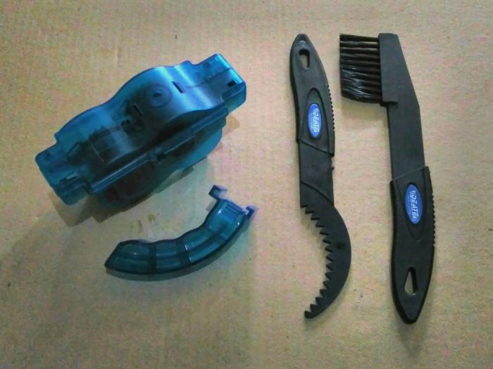harga Chain cleaner set/alat mesin pembersih rantai & sikat sprocket sepeda Tokopedia.com