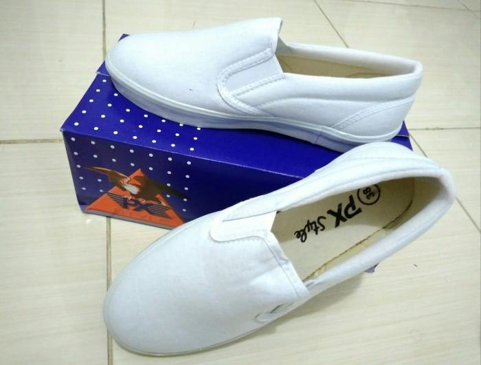 Sepatu kanvas px style 179 putih polos