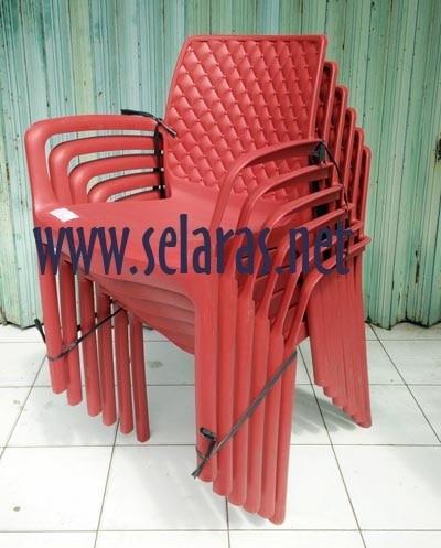 harga Kursi teras/ kursi taman/ kursi cafe plastik olymplast 501s merah Tokopedia.com