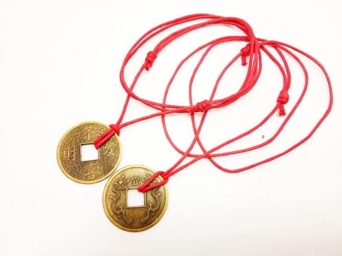 Foto Produk VeE Kalung Liontin Koin Cina dari Vee Jewelry