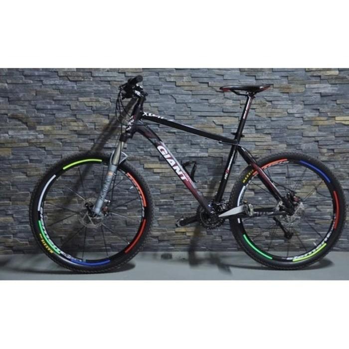 Foto Produk Bicycle Wheel Reflective Sticker / Stiker Roda Sepeda - 8 Strip dari monkay shop