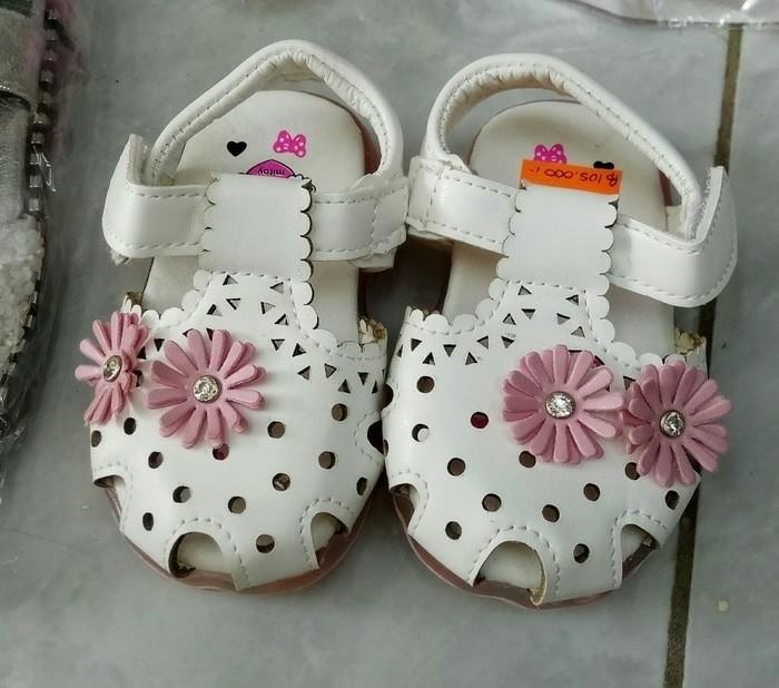 sepatu putih lampu anak bayi cewek flower White lamp shoes baby girl