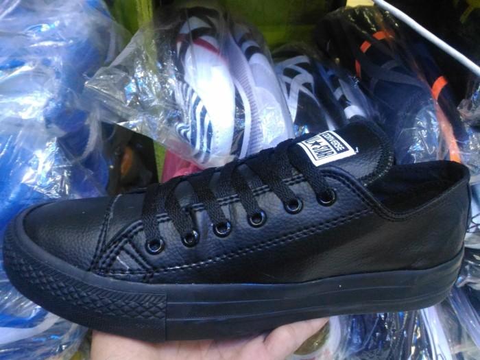 Jual Sepatu Converse All Star Full Black Low Kulit Pria - Kota ... 97f85c8ff