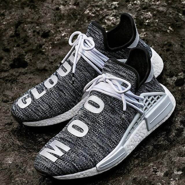 11e8477ef4545 ... Adidas NMD HU X Pharrell William Cloud Mood Sepatu Jalan Pria PREMIU   Adidas X Pharrell Williams Human Race ...