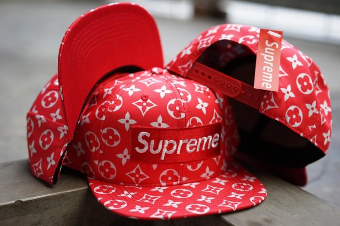 6113b752036 Jual Topi Snapback baseball Supreme X LV Louis Vuitton Red Import ...