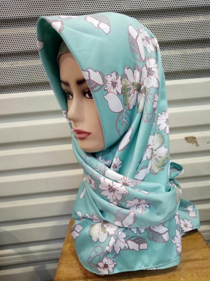 Hijab Segi empat maxmara motif