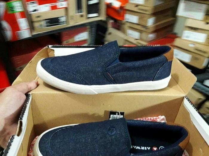 Jual Sepatu Casual Sneakers Slip On