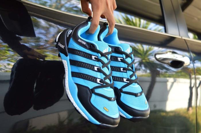 harga Sepatu pria adidas terrex boost biru import vietnam Tokopedia.com