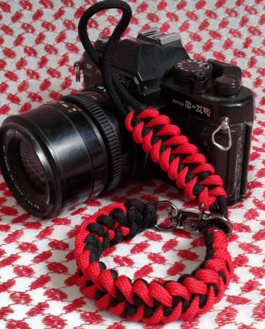 harga Hand made strap camera / tali kamera hitam merah paracord shark jaw bo Tokopedia.com