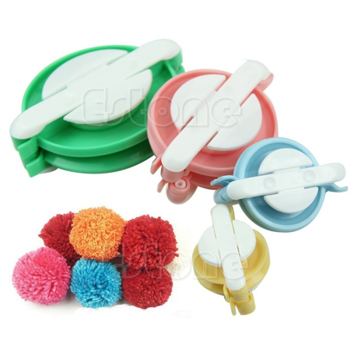 harga Knitting loom pom pom maker 1 set isi 4 ukuran alat rajut crafting Tokopedia.com