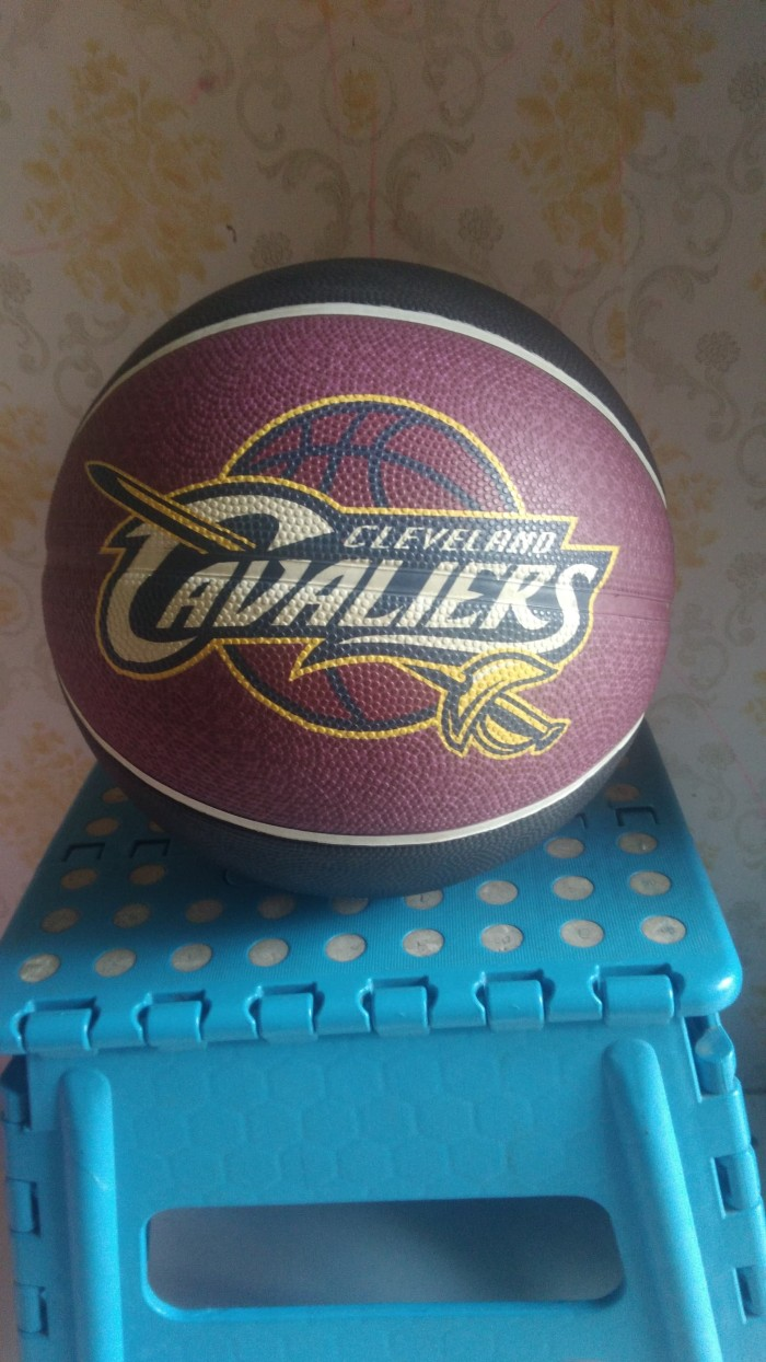 Jual Bola Basket Karet Merk Spalding Edisi Cleveland Cavaliers Size 7 Original