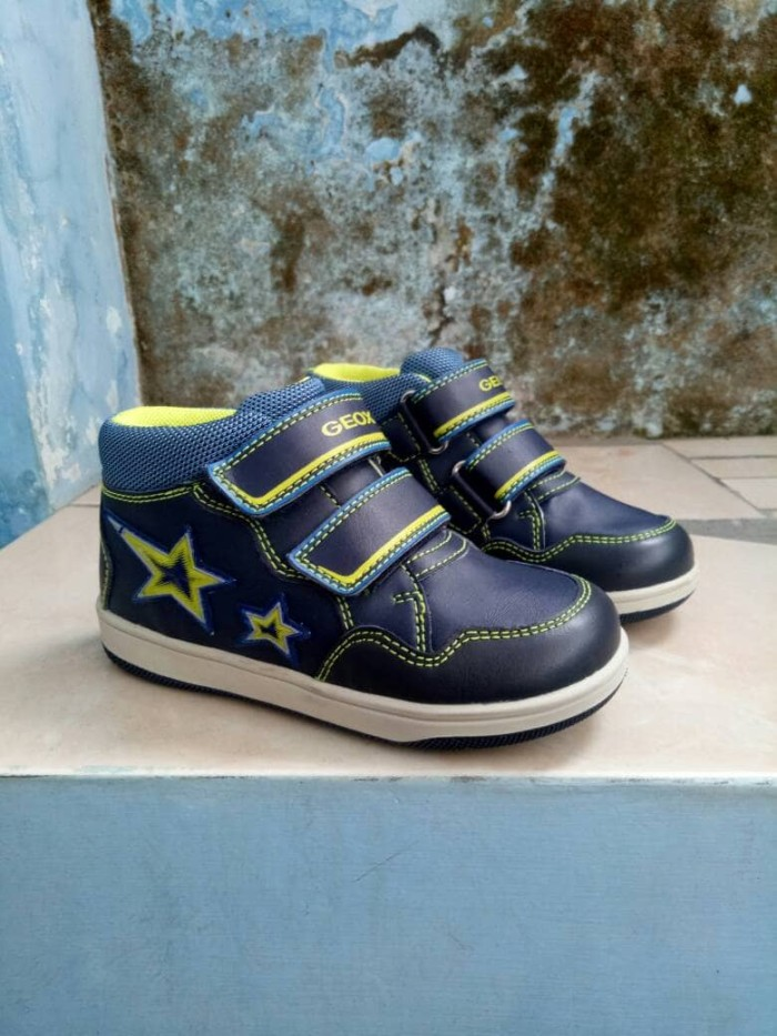 Jual sepatu geox original cek harga di PriceArea.com 40f12d1b9e