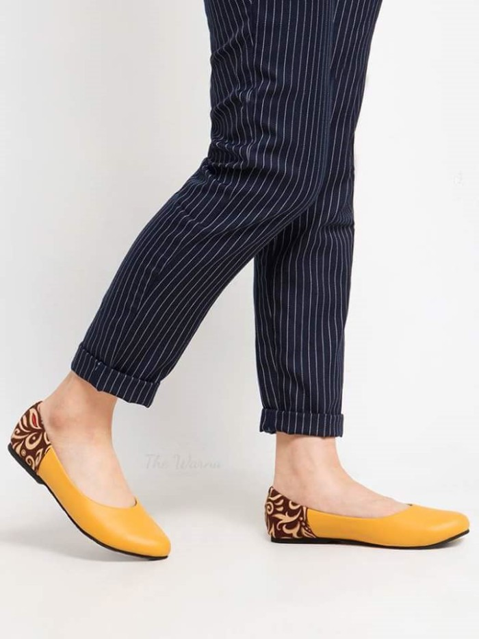 harga Sepatu wanita / flat shoes etnik batik tenun - yellow tan Tokopedia.com