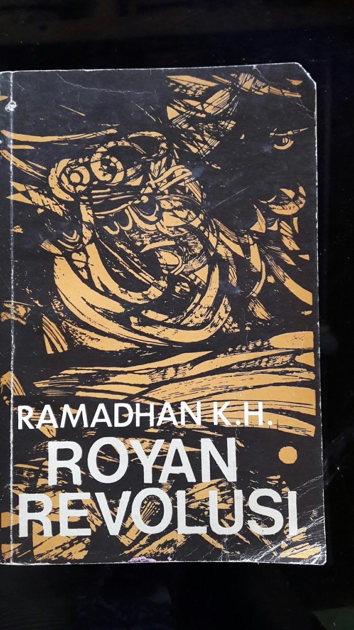 Jual ROYAN REVOLUSI RAMADHAN K H Jakarta Timur Buku Desa Seni Tmii