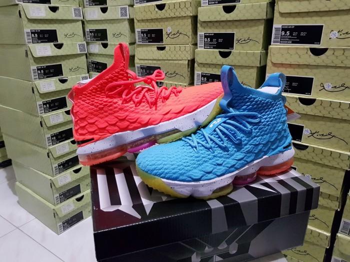 promo code 3f2e3 a843a Jual Sepatu Basket Nike LeBron 15 Yin Yang Colorful Warna Warni - Kota  Batam - Elite Basketball Store | Tokopedia