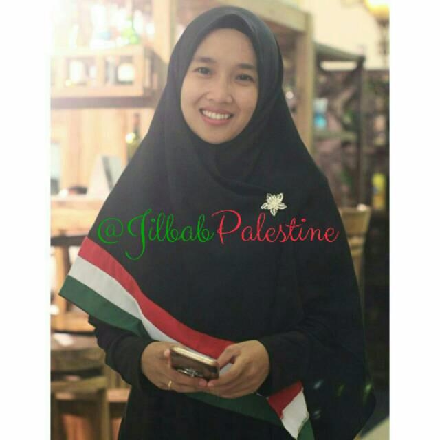 harga Jilbab palestine 130x130 hijab segi empat wolfis polos khimar syar'i p Tokopedia.com