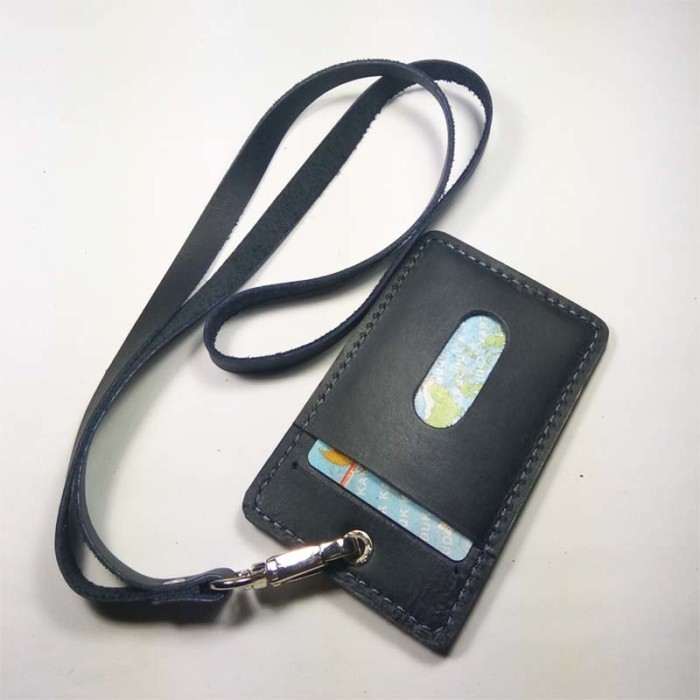harga Name tag id kulit asli sapi warna hitam (tali id card. gantungan id) Tokopedia.com