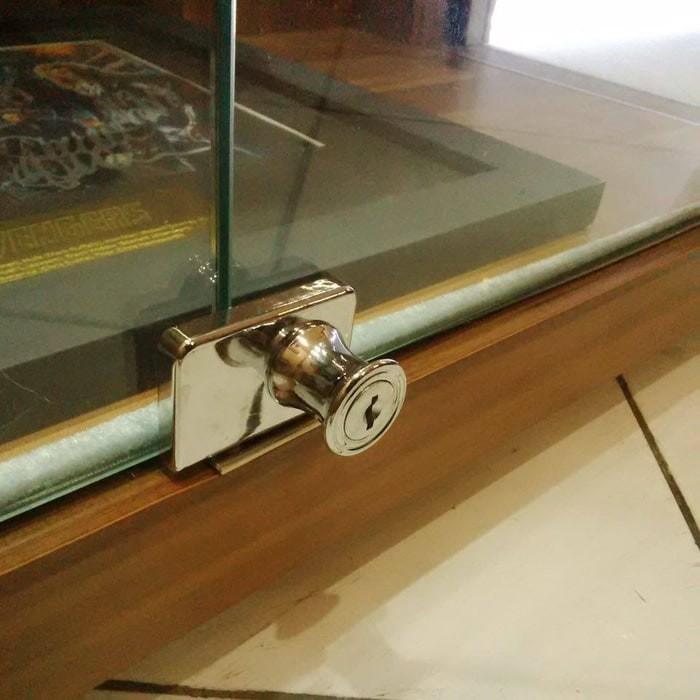 harga Kunci untuk lemari kaca pajangan display koleksi action figure hot toy Tokopedia.com