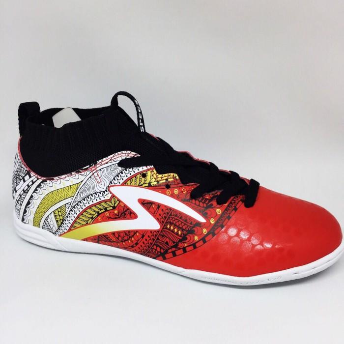 Sepatu Futsal Specs Original Heritage IN Emperor Red Black Gold New