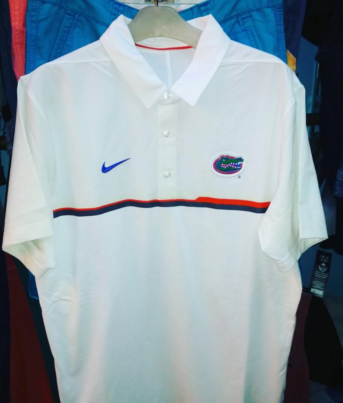 Multiple Sizes NEW Gildan Florida Gators Women/'s Short Sleeve Shirt