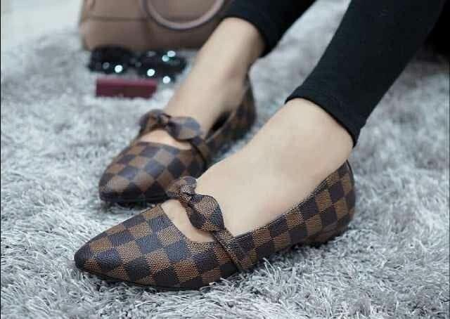 harga Sepatu flat motif kotak-kotak coklat flatshoes pita coklat wanita Tokopedia.com