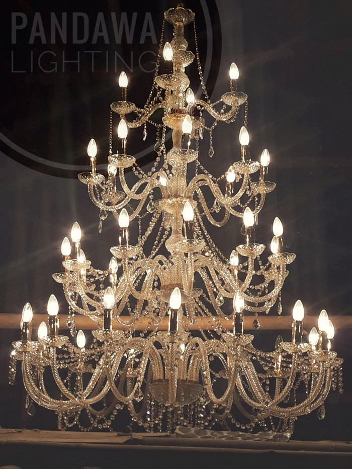 harga Lampu gantung kristal lilin 40 chandelier 4 susun Tokopedia.com