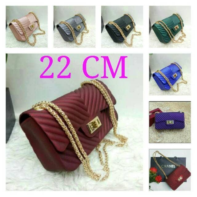 Jual Chanel Chevron Jelly Matte Maxi 22cm - pinkan shop  81ae37bb36