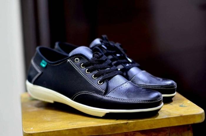 Jual SEPATU KULIT ASLI PRIA CLARKS CASUAL SLIPON PREMIUM - Sepatu ... a0dbf9abe0