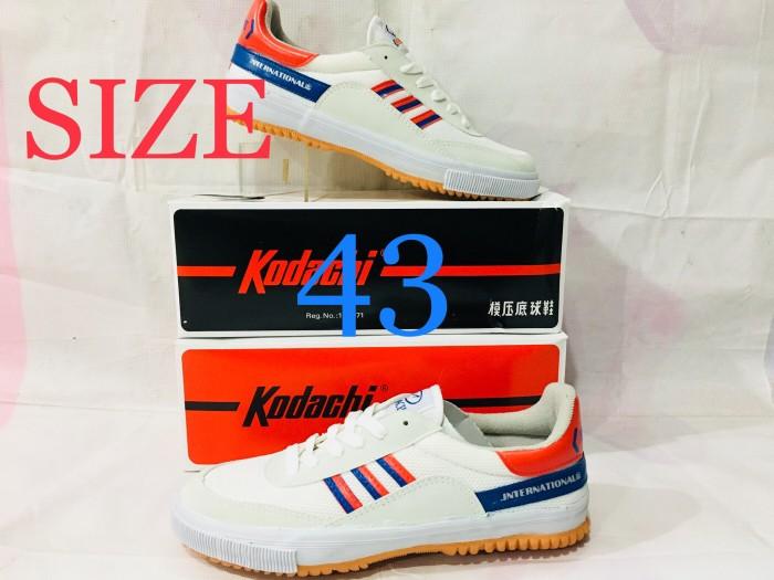 harga Sepatu capung badminton atau volly kodachi 8116 m/b khusus no.43 Tokopedia.com