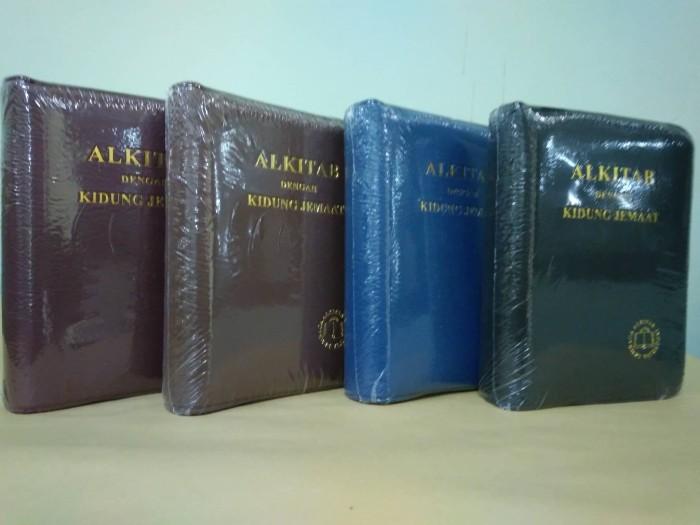 harga Alkitab kecil dengan kidung jemaat sampul imitasi - tb 043 ti kj Tokopedia.com