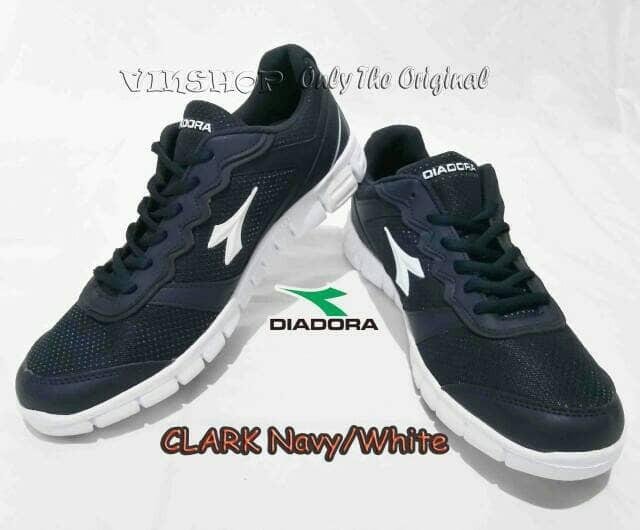 Jual sepatu Diadora Original Running Clark Navy - flo online shop ... bcfb909965