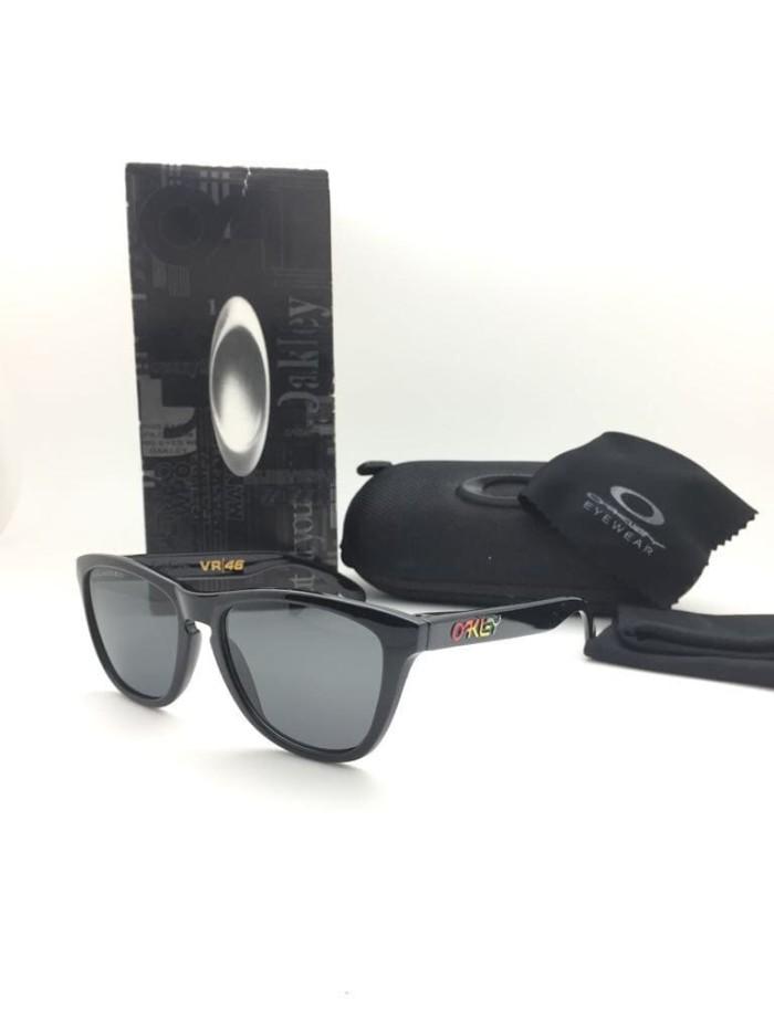Jual Kacamata Oak - Ley Frogskin Vr46 Polarized Sunglasses Pria ... 092b10c64d