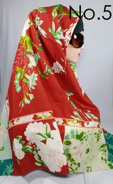 Jilbab kerudung segi empat voile motif bunga signarica vicenca premium