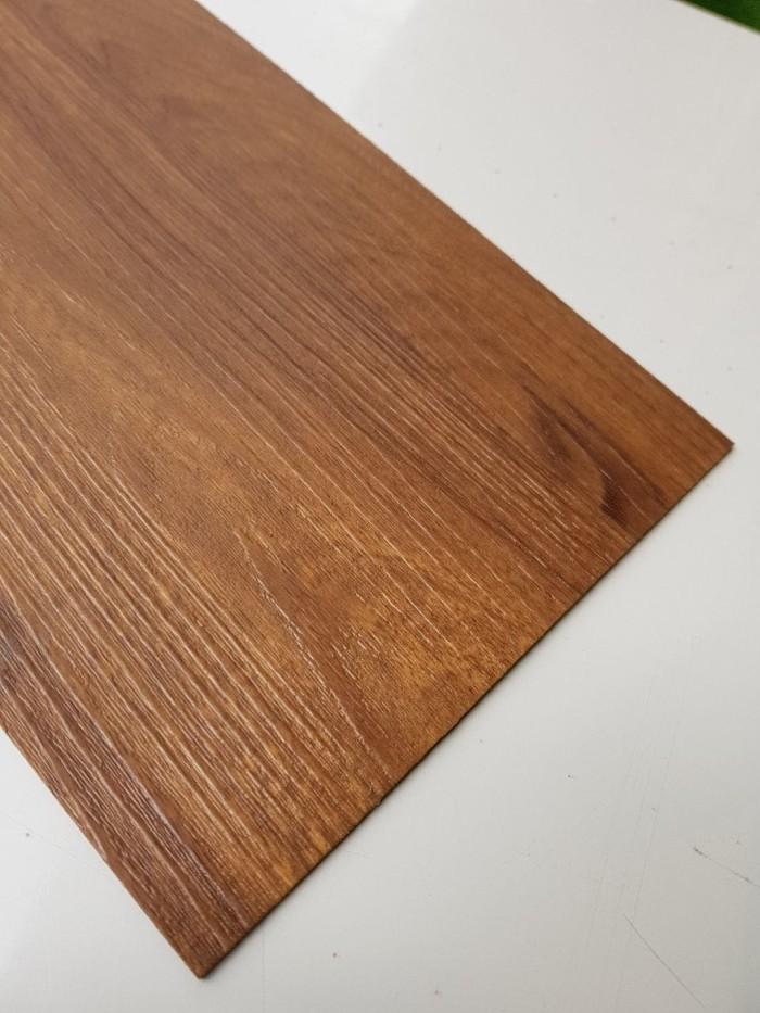 Jual Lantai Kayu Lantai Vynil Murah Super Plank Tebal 2mm 5m2 Sp23 Jakarta Utara Juara Wallpaper Tokopedia