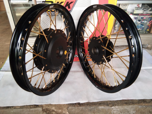 harga Sepaket velg bkk 140 -160 ring 14 tromol jari2 untuk motor matic honda Tokopedia.com