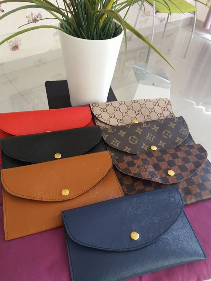 harga Beli 1 dapat 12 dompet import dompet kosmetik dompet koin pouch salee Tokopedia.com