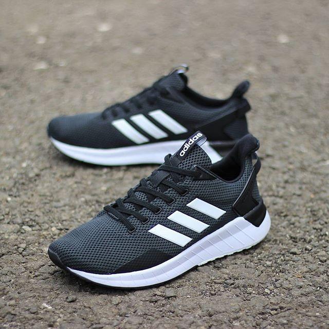 harga adidas questar ride black white
