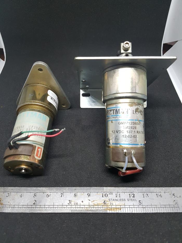 Foto Produk 1 pasang motor DC plus gearbox, 12VDC, merk Pittman USA, 2 unit. dari UAV