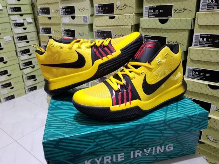 b86e57c0c909 Jual Sepatu Basket Nike Kyrie 3 Bruce Lee Yellow Black Kuning Hitam ...