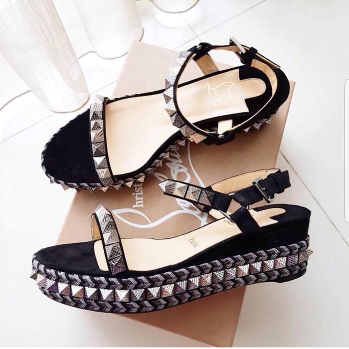 best service a0b65 59c17 Jual Sale Sepatu Wanita Christian Louboutin Wedges Black Original Authentic  - Kota Tangerang Selatan - Amanah Leather | Tokopedia