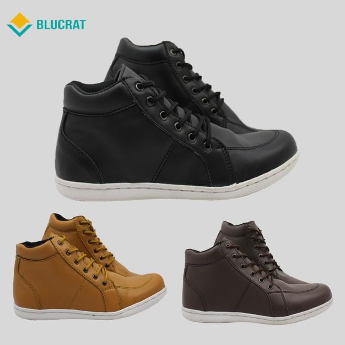 Jual Sepatu Casual Pria Blucrat Goku - Cokelat Muda 0594ffd033