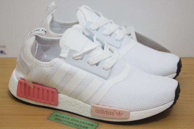 finest selection 0c64b 87142 Jual Sepatu Adidas NMD R1 White Icey Pink - Premium Quality - DKI Jakarta -  AkbarSneakers   Tokopedia