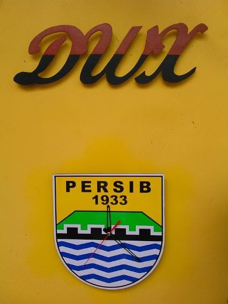 Jam Dinding PERSIB BANDUNG - Jam Kayu PERSIB - Unik Murah - Klub Bola. Toko  dalam status moderasi cf76e3a95a