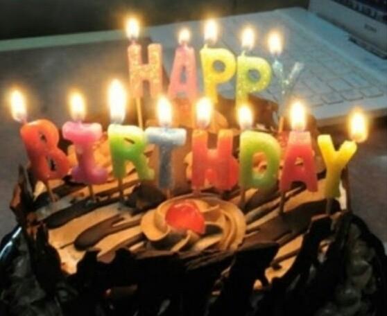 LILIN SET HAPPY BIRTHDAY /LILIN ULANG TAHUN / BIRTHDAY CANDLE