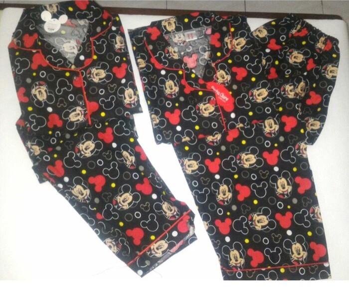 Foto Produk Piyama couple mom n kids black mickey dari rainbow shop global