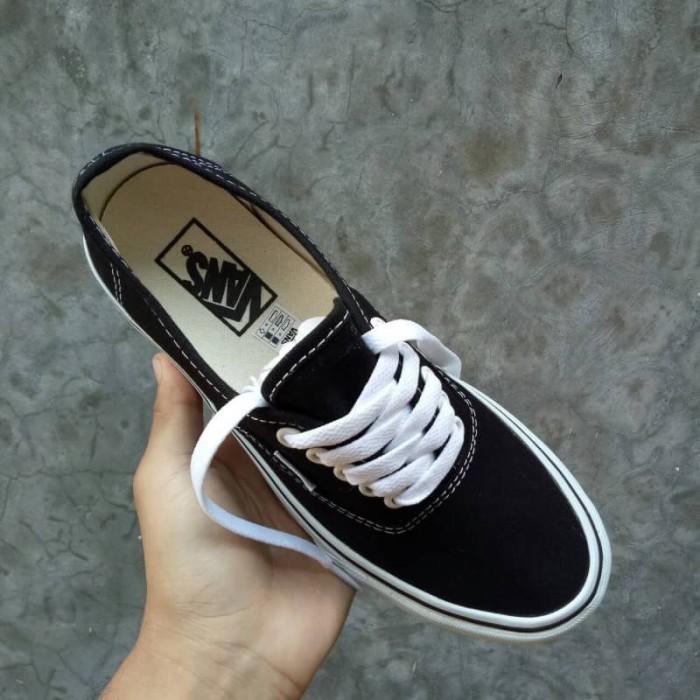 Jual Sepatu Vans Authentic Classic Black White BNIB Premium Original ... eeec7911eb