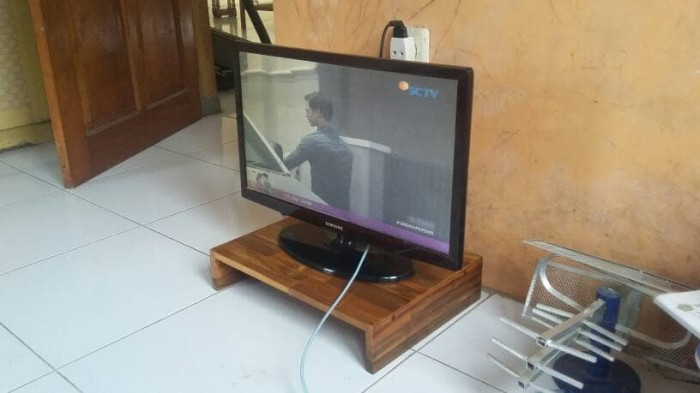 harga Stand tv/meja tv lcd led minimalis/meja laptop bukan lipat Tokopedia.com