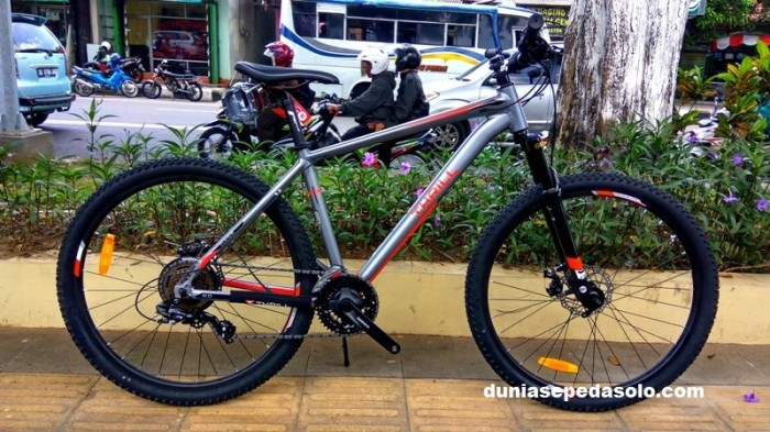 SEPEDA GUNUNG MTB 275 THRILL CLEAVE 20 2018 ALLOY MATTE GREY RED