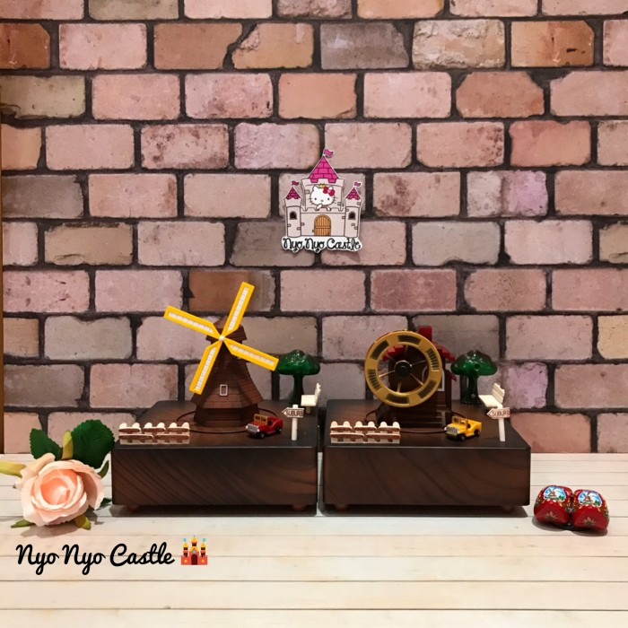 harga Pajangan music box / kotak musik classic miniatur holland village Tokopedia.com